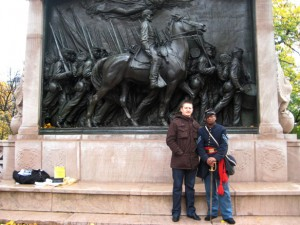 freedom trail 5. przed pomnikiem afroamerykaskich zolnierzy