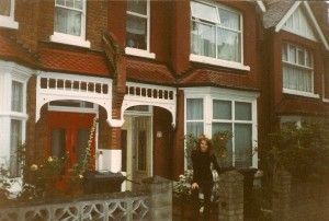 londyn przed domem
